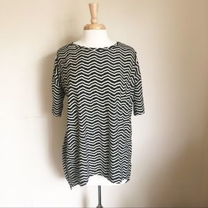 LuLaRoe Irma Tunic Black & White Stripe Size Small